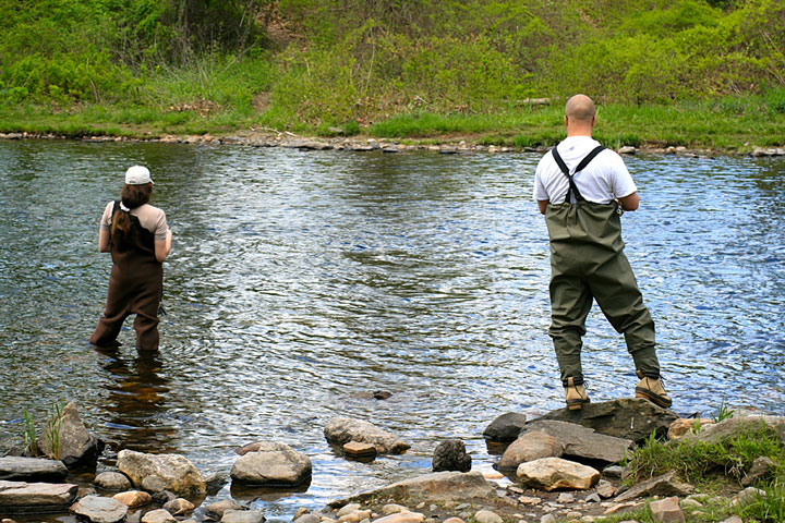 Fishing tackle suppliers in connecticut for Farmington river fishing